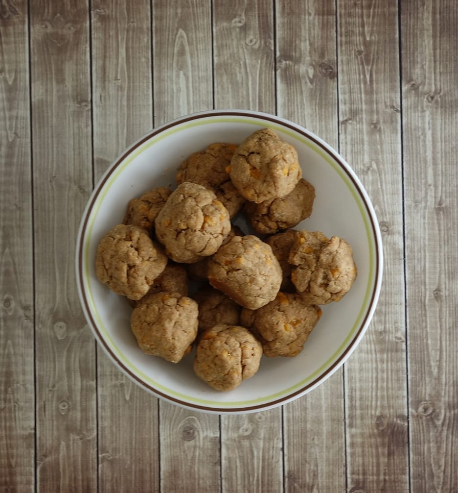 Easy Cheesy Peanut Butter Dog Biscuits